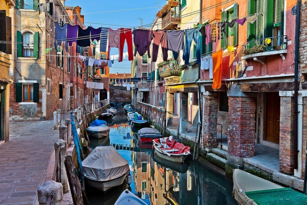 Dry your laundry like you're in Venice.