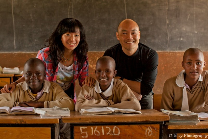 Elley Ho and Heward Jue with Asante Africa students in Kenya
