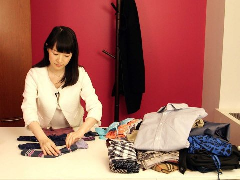 People around the world are obsessed with the KonMari household decluttering method.